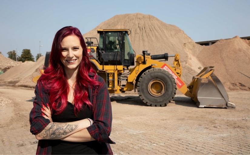 Die Hagedorn-Maschinistin Agnes Borchers ist das Gesicht der Kampagne. - Foto: Hagedorn Unternehmensgruppe