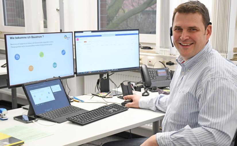 Per Video stellte sich Installateurbetreuer Ludger Hugenroth den Fachbetrieben in der Region vor. - Foto: SWTE Netz GmbH & Co. KG