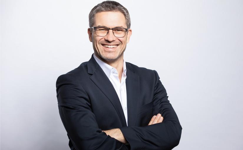"""Hettich-Geschäftsführer Sascha Groß: """"Nachhaltiges Denken und Handeln setzen wir bei Hettich in unseren Aktivitäten Schritt für Schritt um, ohne dabei die Wirtschaftlichkeit aus dem Blick zu verlieren."""" Foto: Hettich"""