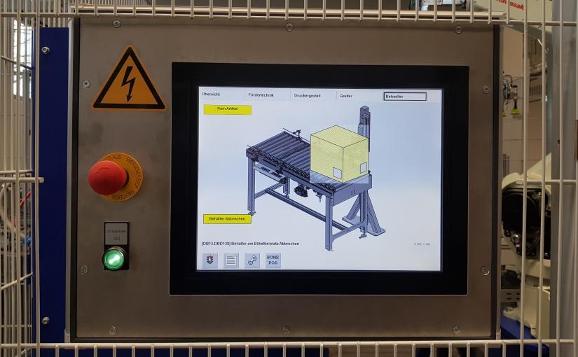 Die Etikettierzelle wird über ein Touchpanel gesteuert. - Foto: de Man