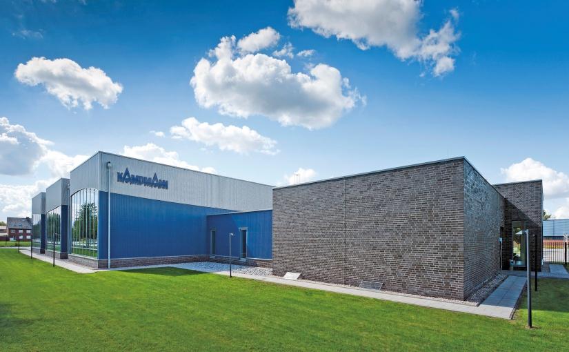 Das Forschungs- und Entwicklungszentrum von Kampmann umfasst knapp 2.000 m2 Laborfläche mit modernsten Prüfständen z. B. in der Akustik, Wärme und Behaglichkeit. - Foto: Kampmann GmbH & Co. KG