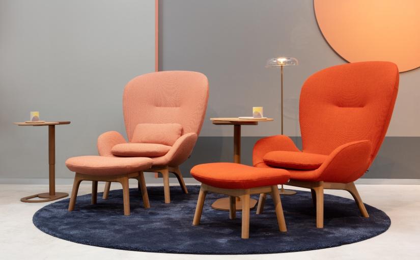 Organische, weiche Formen sorgen bei Sesseln für ein Gefühl der Geborgenheit. Foto: VDM/Rolf Benz