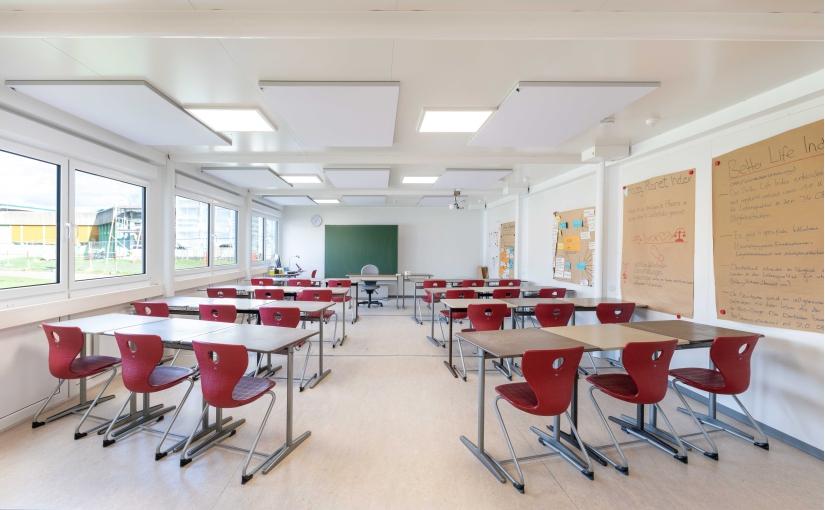 Helle, freundliche Klassenräume mit angenehmer Akustik machen ELA zu einem gefragten Anbieter von Schulcontainern. - Foto: ELA Container