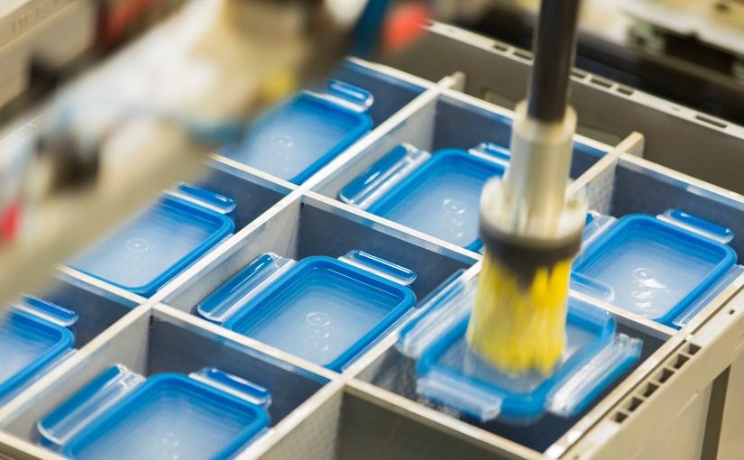 Die CLIP & CLOSE Frischhaltedose von EMSA wird im Spritzguss-Verfahren hergestellt. Herstellung der CLIP & CLOSE Frischhaltedose. - Foto: © EMSA GmbH