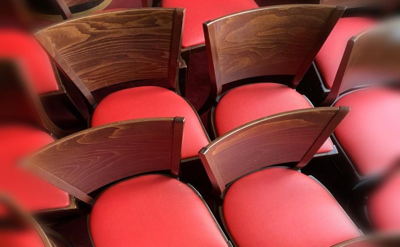 Leere GOP-Stühle und kein Ende in Sicht. - Foto: GOP