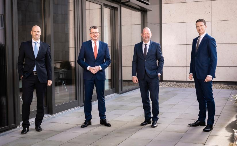 Das Vorstandsteam Mühlhausen-Deitert-Frieling-Scheppan der Volksbank BI-GT: - Foto: Volksbank Bielefeld-Gütersloh