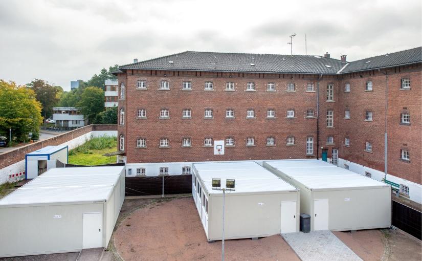 Landgericht Oldenburg ordert Sitzungssäle aus ELA Containern