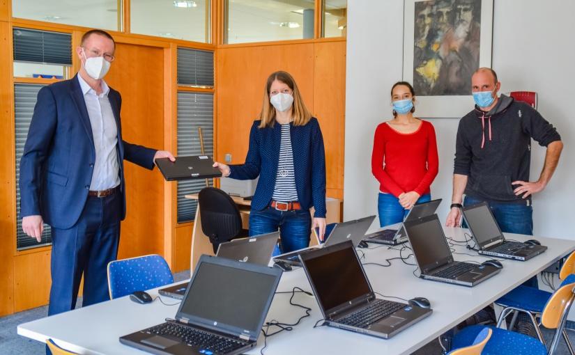 MULTIVAC spendet IT-Ausstattung an an Memminger Elsbethenschule