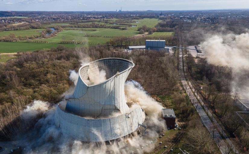 Strukturwandel mit Hagedorn: Steinkohlekraftwerk erfolgreich gesprengt