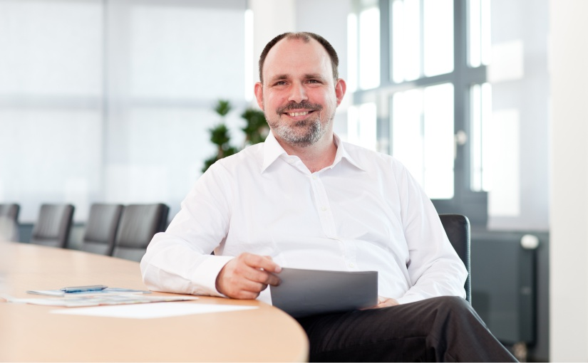 Jens Brennholt ist neuer MBA-Studiengangsleiter and der FHDW Paderborn
