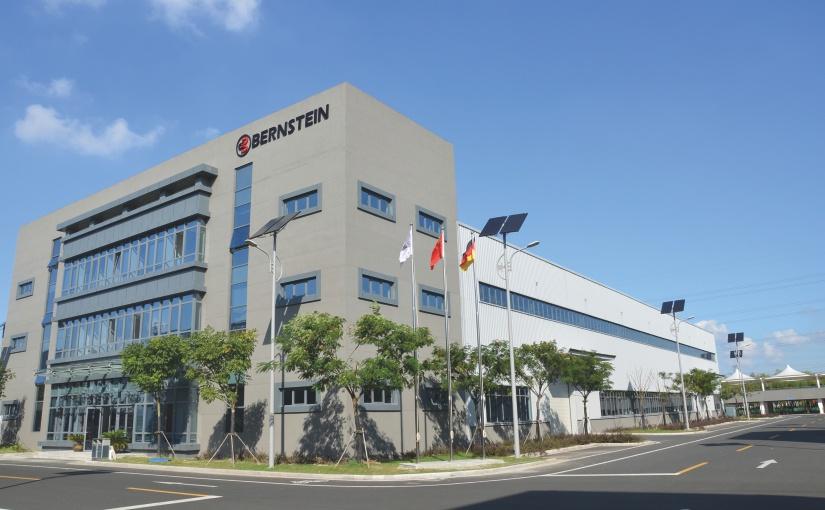 Neue Montagelinie für BERNSTEIN in China: 4 Mio. Türkontakte pro Jahr