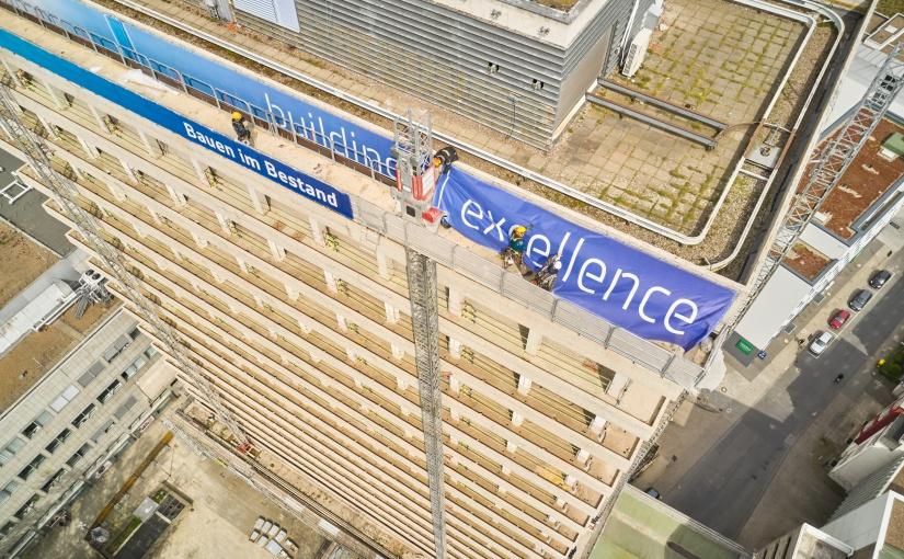 Blick von oben. Dieser Arbeitsplatz ist nichts für schwache Nerven. - Foto: Goldbeck