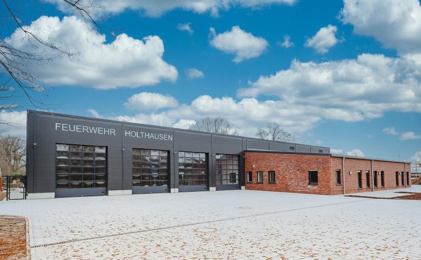 Das Feuerwehrhaus im Ortsteil Holthausen. - Foto: Karl-Heinz Berger