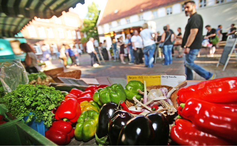 Der Abendmarkt auf dem Bielefelder Klosterplatz soll im Frühjahr 2022 wieder starten. - Foto: Bielefeld Marketing/ Sarah Jonek