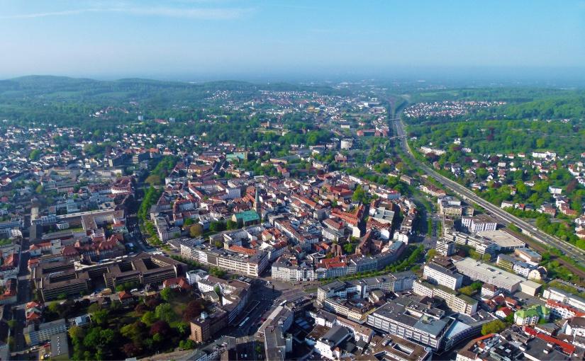 Das Altstadt-Hufeisen ist von der Luft aus gut zu erkennen. - Foto: Bielefeld Marketing